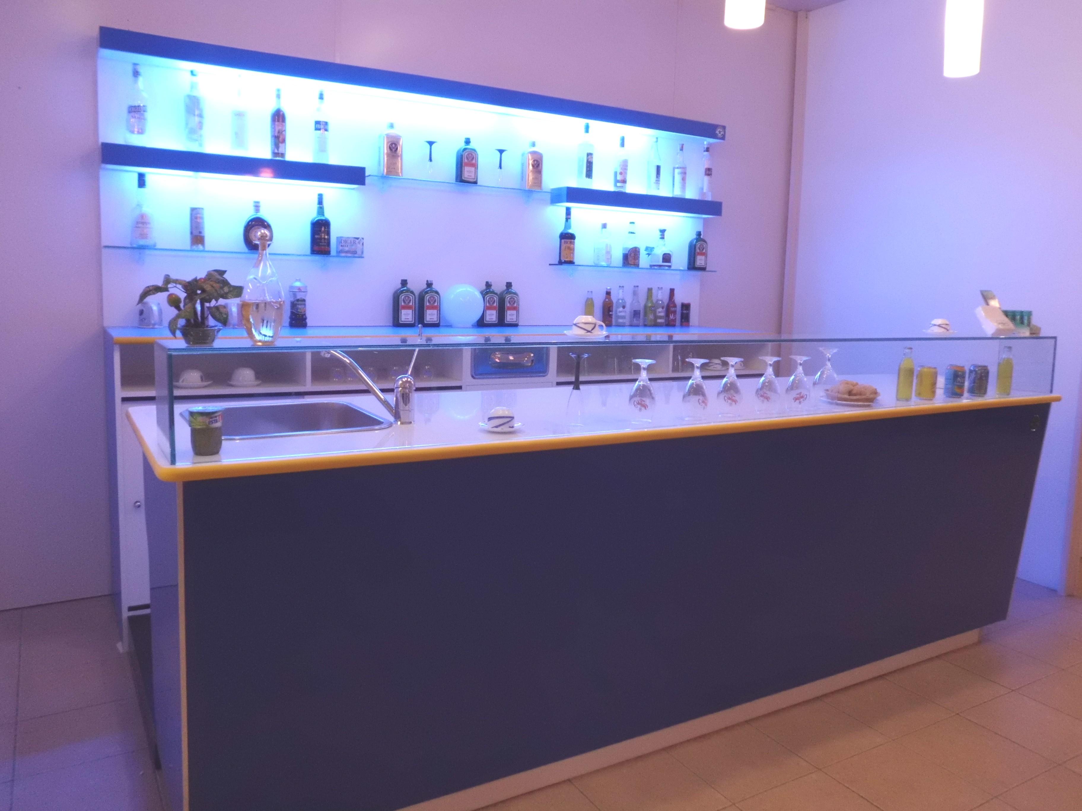 Arredamento Bar Mantova : Arredo bar mantova. Arredamento bar ...